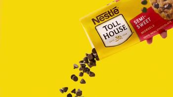 Nestle Toll House Morsels TV Spot, 'Cookie Pizza' - Thumbnail 4