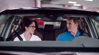 2018 Toyota Camry TV Spot, 'Blimp' Featuring Eli Manning [T2] - Thumbnail 6
