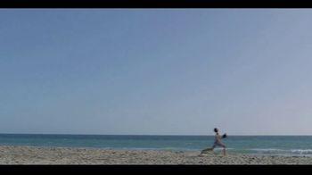Major League Baseball TV Spot, 'Play Ball: Beach Catch' - Thumbnail 5