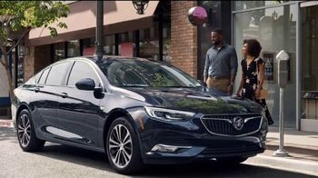 Buick Kickoff Event TV Spot, 'Mistaken Identity: NCAA' Song by Matt and Kim [T2] - Thumbnail 4