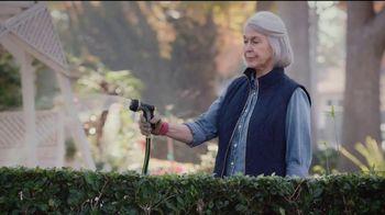 2018 Chrysler Pacifica TV Spot, 'My Jam: Just Stretching' Ft. Kathryn Hahn [T2] - Thumbnail 7
