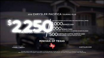 2018 Chrysler Pacifica TV Spot, 'My Jam: Just Stretching' Ft. Kathryn Hahn [T2] - Thumbnail 9