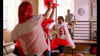 Pizza Hut TV Spot, 'ESPN: Team Colors' Featuring Maria Taylor - Thumbnail 7