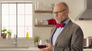 Colgate Optic White Platinum TV Spot, 'Favorite Foods' Feat. Alton Brown - Thumbnail 1