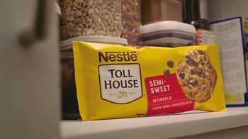 Nestle Toll House Morsels TV Spot, 'Movie Night' - Thumbnail 3