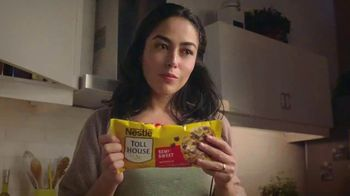 Nestle Toll House Morsels TV Spot, 'Movie Night' - Thumbnail 4