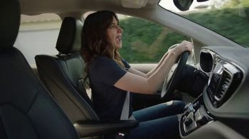 2018 Chrysler Pacifica TV Spot, 'All Day: Half and Half' Feat. Kathryn Hahn [T2] - Thumbnail 4
