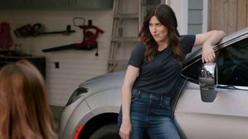 2018 Chrysler Pacifica TV Spot, 'All Day: Half and Half' Feat. Kathryn Hahn [T2] - 237 commercial airings