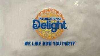 International Delight Pumpkin Pie Spice TV Spot, 'What's Inside?' - Thumbnail 9