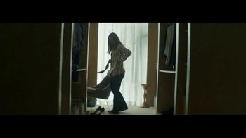 Macy's TV Spot, 'Remarkable You' Featuring Becky Hammon, Song by No Doubt - Thumbnail 3