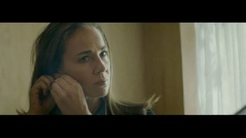 Macy's TV Spot, 'Remarkable You' Featuring Becky Hammon, Song by No Doubt - Thumbnail 5