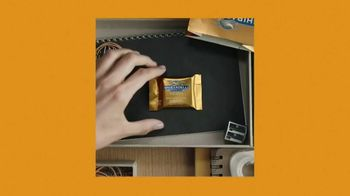 Ghirardelli Caramel Squares TV Spot, 'With Love, From San Francisco' - Thumbnail 3