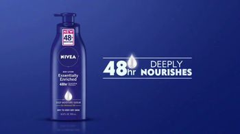 Nivea Essentially Enriched Body Lotion TV Spot, 'Deeply Nourishes' - Thumbnail 7