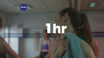 Nivea Essentially Enriched Body Lotion TV Spot, 'Deeply Nourishes' - Thumbnail 5