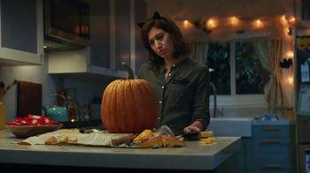 KitKat TV Spot, 'Jack-O'-Lantern' - Thumbnail 1