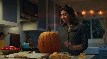 KitKat TV Spot, 'Jack-O'-Lantern' - Thumbnail 8