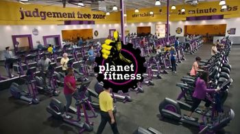 Planet Fitness TV Spot, 'Pull-Ups' - Thumbnail 7