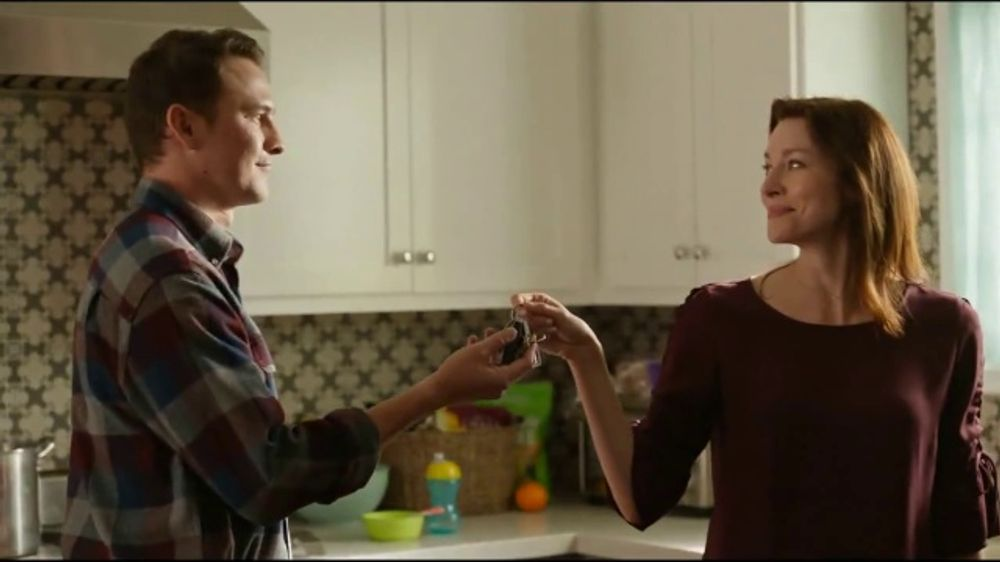 Walmart Grocery Pickup TV Commercial, 'Thanksgiving Meal: Gimme Some Lovin' Song by The Spencer Davi