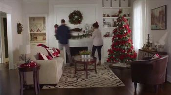 Big Lots TV Spot, 'Holidays: Sherpa Set' Song by Three Dog Night - Thumbnail 4