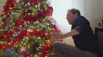 Big Lots TV Spot, 'Holidays: Sherpa Set' Song by Three Dog Night - Thumbnail 5
