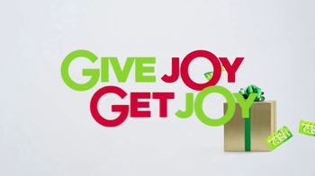 Kohl's TV Spot, 'Give Joy, Get Joy: Outerwear, Boots and Instant Pot' - Thumbnail 7