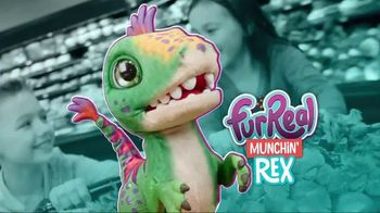 FurReal Munchin' Rex TV Spot, 'Grocery Store'