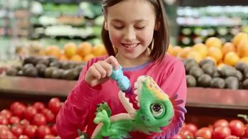 FurReal Munchin' Rex TV Spot, 'Grocery Store' - Thumbnail 4