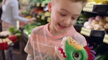 FurReal Munchin' Rex TV Spot, 'Grocery Store' - Thumbnail 6