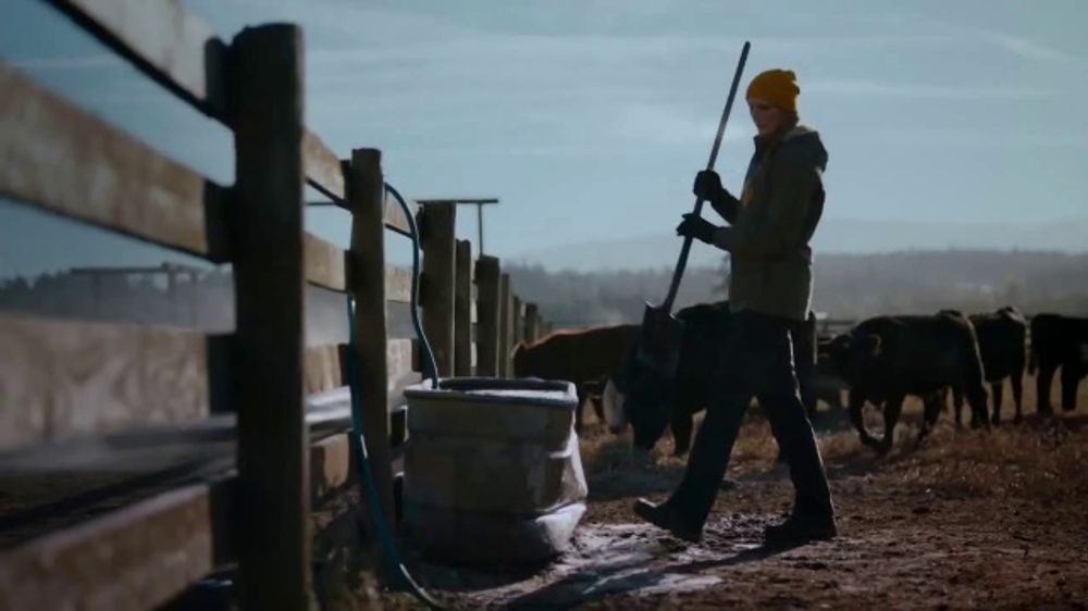 Duluth Trading Company Flexpedition Pants TV Commercial, 'Forecasts Are Fickle'