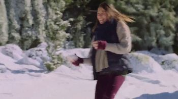 Ricola Natural Herb Cough Drops TV Spot, 'Snowball Fight' - Thumbnail 8
