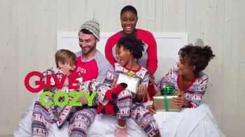 Kohl's TV Spot, '2018 Holidays: Give Joy, Get Joy: Cozy' - Thumbnail 3