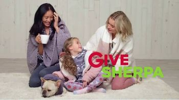 Kohl's TV Spot, 'Holidays: Give Joy, Get Joy: Cozy' - Thumbnail 8