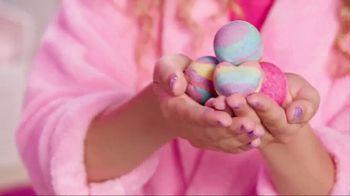 Cra-Z-Art Shimmer 'N Sparkle Spa Creations Bath Bomb Maker TV Spot, 'Fizzy' - Thumbnail 6