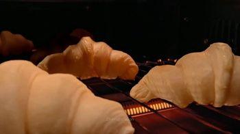 Calphalon Quartz Heat Countertop Oven TV Spot, 'Captivated by the Croissant' - Thumbnail 4