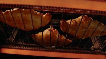 Calphalon Quartz Heat Countertop Oven TV Spot, 'Captivated by the Croissant' - Thumbnail 6