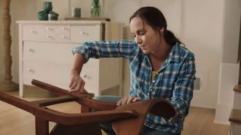 Gold Bond Cracked Skin Fill & Protect TV Spot, 'Fixers' - 466 commercial airings