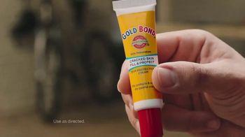 Gold Bond Cracked Skin Fill & Protect TV Spot, 'Fixers' - Thumbnail 5