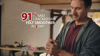 Gold Bond Cracked Skin Fill & Protect TV Spot, 'Fixers' - Thumbnail 7