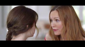 Jergens Deep Restoring Argan Moisturizer TV Spot, 'Old Man Elbows' Featuring Leslie Mann, Maude Apatow