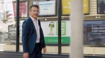 Esurance TV Spot, 'Just Another Dennis Quaid Commercial' - Thumbnail 2