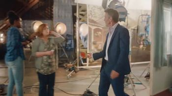 Esurance TV Spot, 'Just Another Dennis Quaid Commercial' - Thumbnail 7