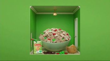 Corn Chex TV Spot, 'Holidays: The Grinch' - Thumbnail 4