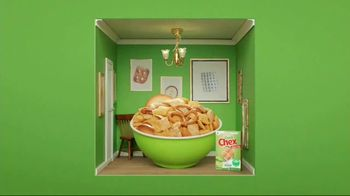 Corn Chex TV Spot, 'Holidays: The Grinch' - Thumbnail 6