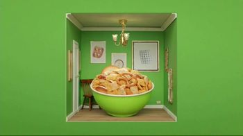 Corn Chex TV Spot, 'Holidays: The Grinch' - Thumbnail 7