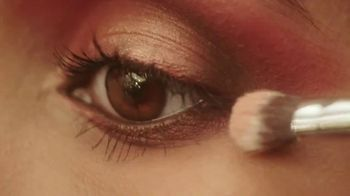 Ulta TV Spot, 'Holidays: Shine Brighter' - Thumbnail 3