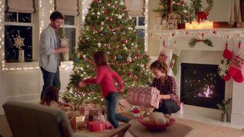 Command TV Spot, 'Greet the Season, Damage-Free' Featuring Tim Gunn - Thumbnail 8