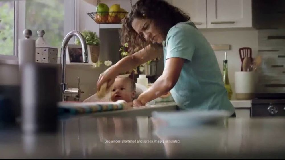 Whirlpool Smart Range TV Commercial, 'Voice Control Appliance'
