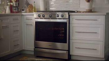 Whirlpool Smart Range TV Spot, 'Voice Control Appliance' - Thumbnail 5
