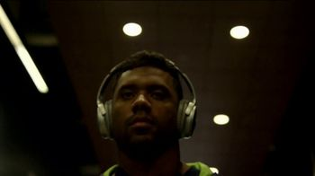 Bose TV Spot, 'Great Focus' Featuring Aaron Rodgers, Russell Wilson, Carson Wentz - Thumbnail 3