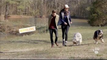 Bearpaw TV Spot, 'Fall/Winter 2018: Lauren and Josiah' - Thumbnail 4